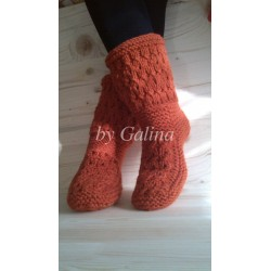 Вязаные шерстяные носки-сапожки