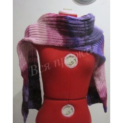 Вязаный спицами шерстяной шарф